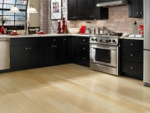 guide-to-choosing-laminate-flooring-color-for-your-kitchen-1